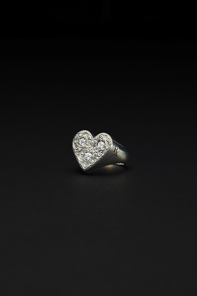 Antidote BUYERS CLUB - Engraved Heart Ring