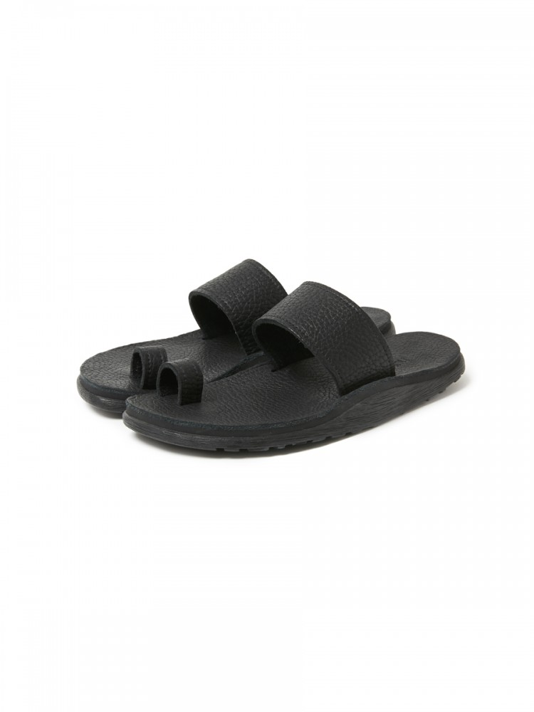 nonnative - Gardener Sandal Cow Leather by ISLAND SLIPPER