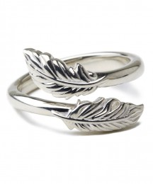 "Feather Ring ""LYN"""
