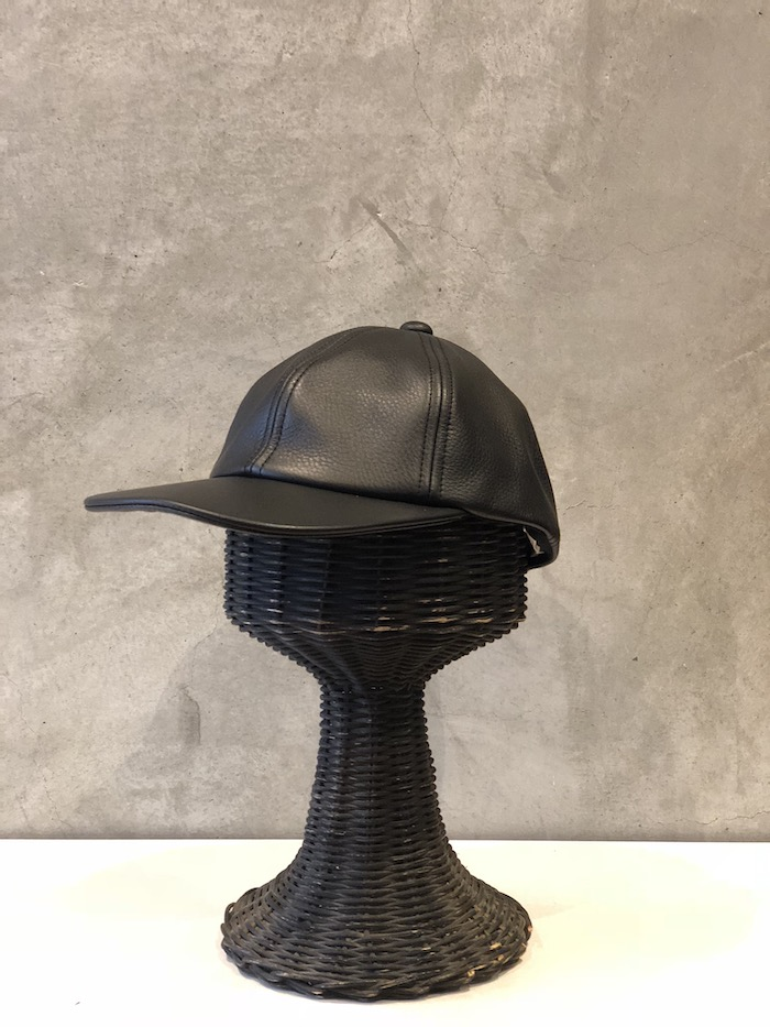COMESANDGOES - Leather Cap