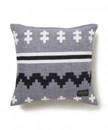 DELUXE x PENDLETON Cushion